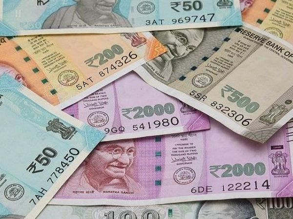 central government may give gifts to middle class in budget 2020 tax may be reduced