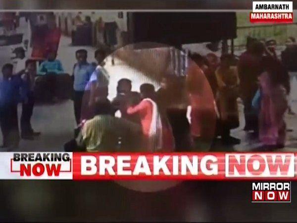 mumbai local train central railway woman ticket checker tc beaten ticketless passenger cctv ambernath station marathi news
