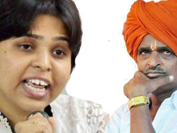 trupti desai criticize to indurikar maharaj and demand that fir be prosecuted