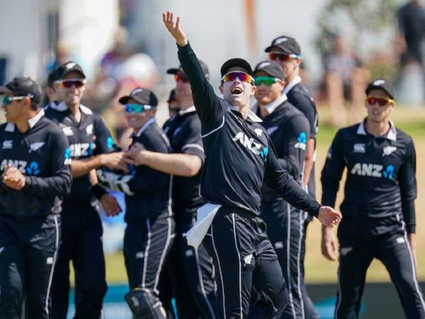 new zealand whitewash india with 3-0 in odi  series ind vs nz third odi match