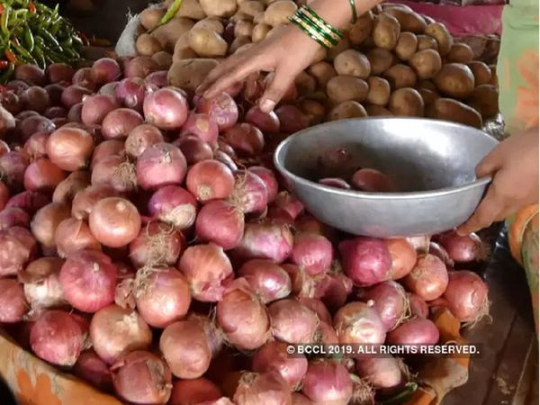 onion price rs 25 per kg andhra pradesh marathi news
