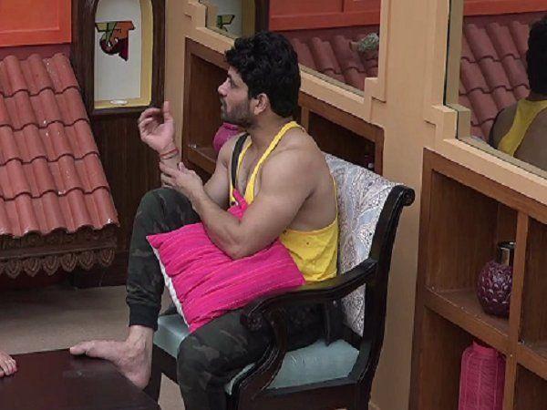 Bigg Boss Marathi 2 Shiv gets emotional while talking to Veena