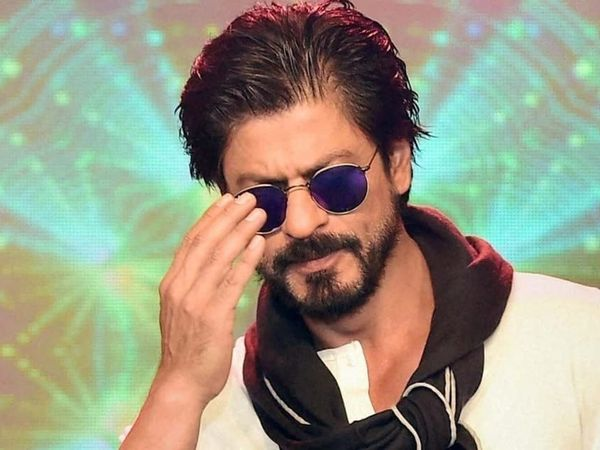 Shahrukh Khan Celebrate Eid with fans