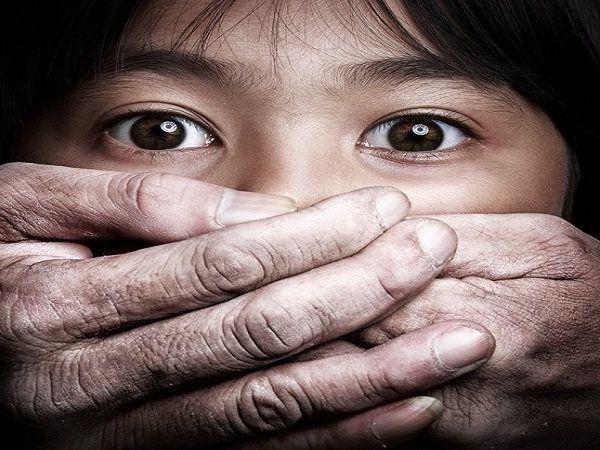 crime news gang rape of 7 year old girl 3 men arrested from kalyan maharashtra news in marathi
