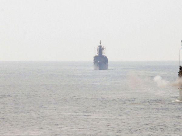 indian navy recruitment 2700 sailor aa ssr posts apply online joinindiannavy.gov.in job news marathi