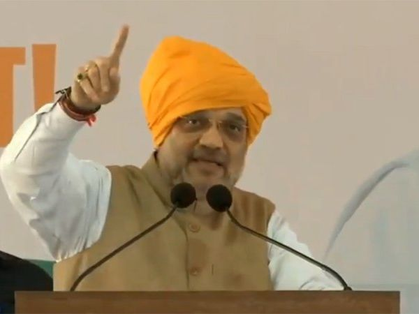 national president of the bharatiya janata party amit shah too much praises about chief Minister devendra fadnavis