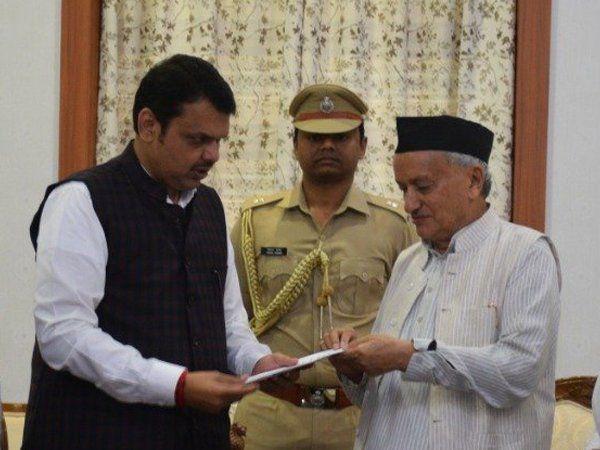 maharashtra governor bhagatsingh koshyari invites largest party bjp to form government